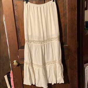 Beautiful lace patterned maxi skirt